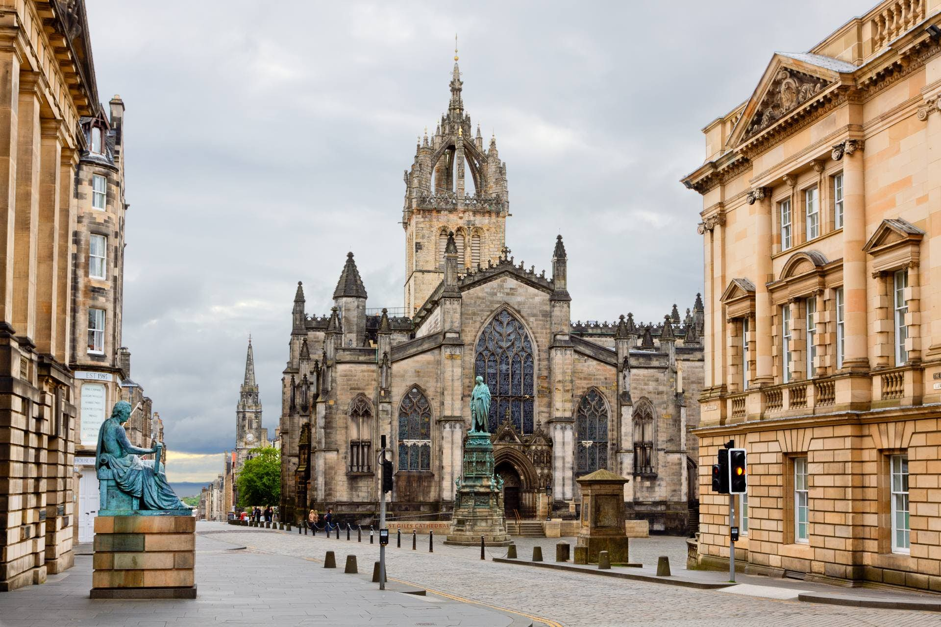 Old Town Edinburgh: The Gothic and The Grisly image