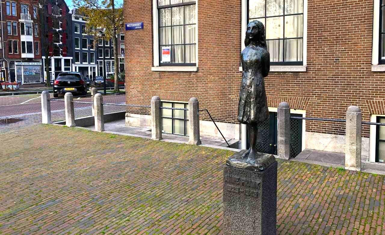 Highlights of Jordaan Amsterdam: The Cursed Houses image
