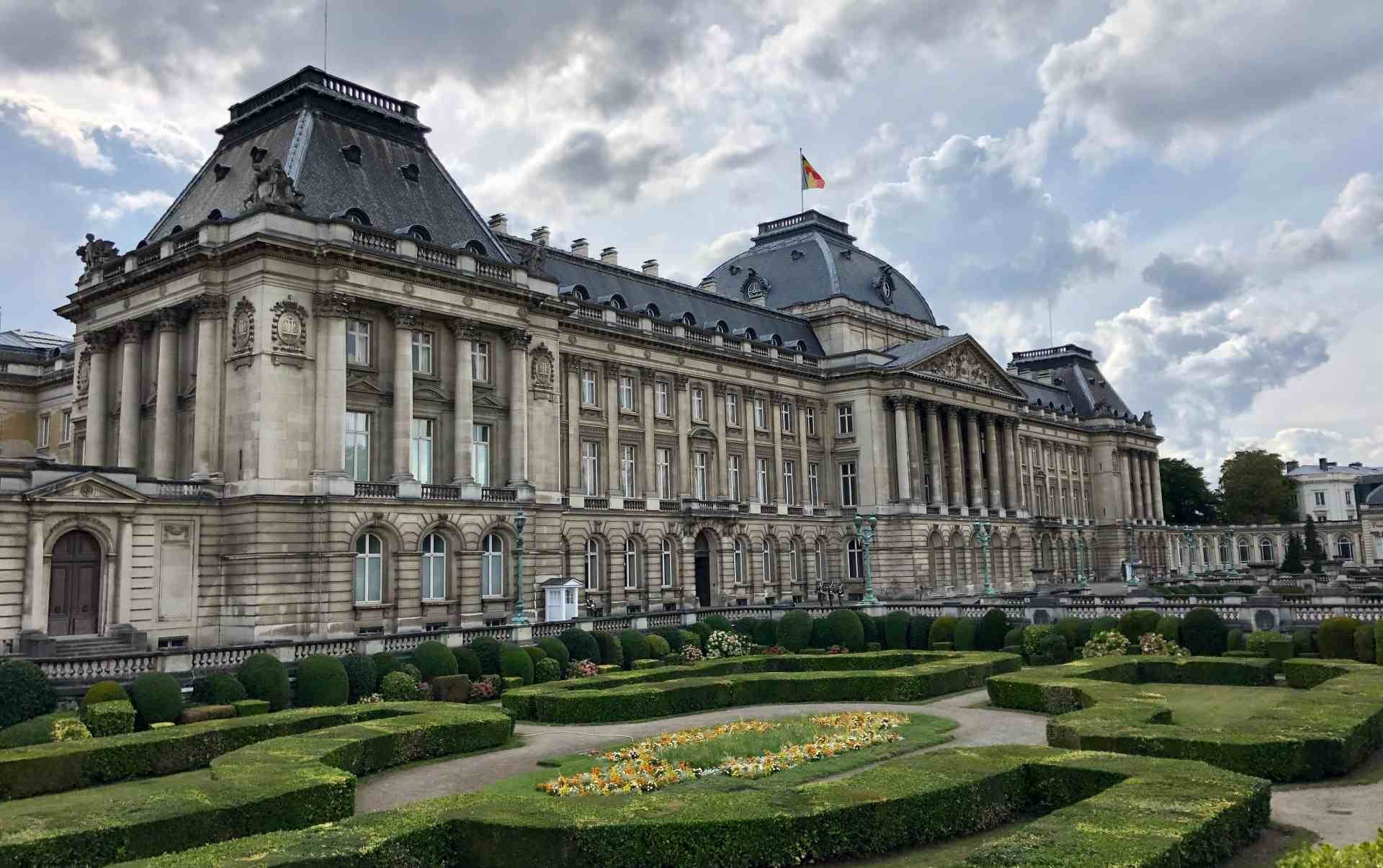 Famous People in Brussels [QUEST IN TEST MODE] image
